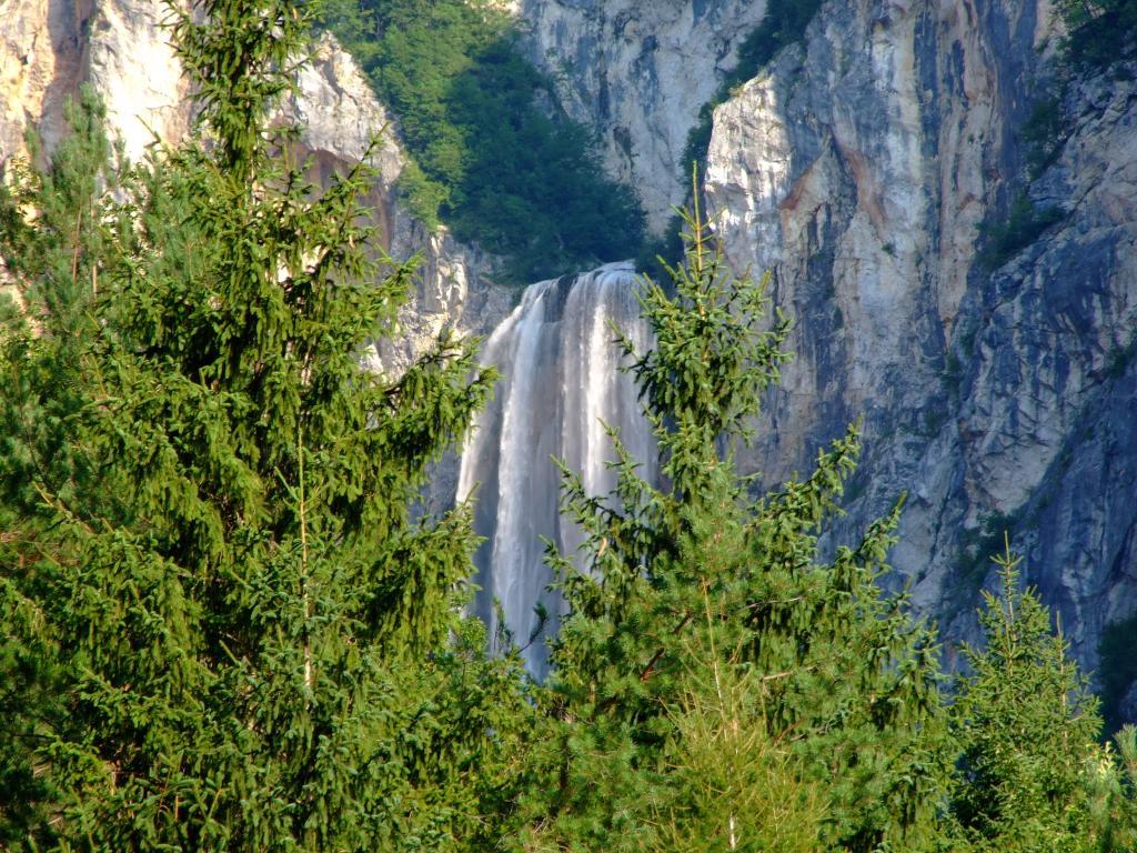 Cascada Boka en los alrededores de Bovec