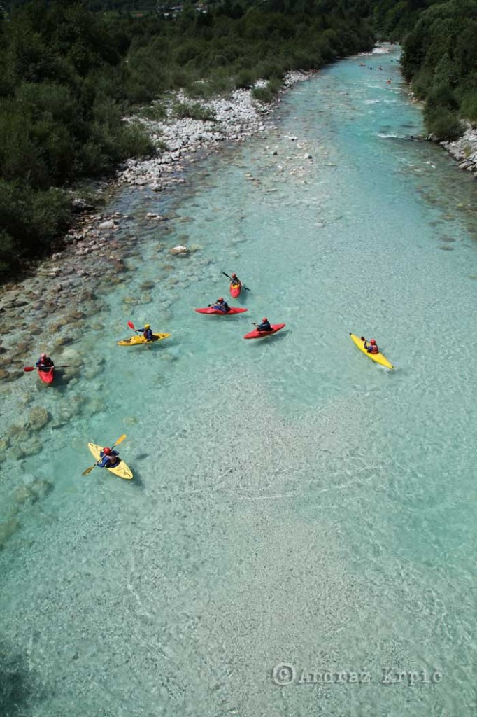 Descenso en kayak por el río Soca