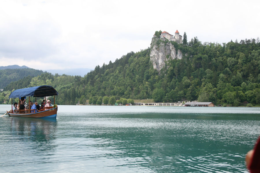 En barco por el lago Bled