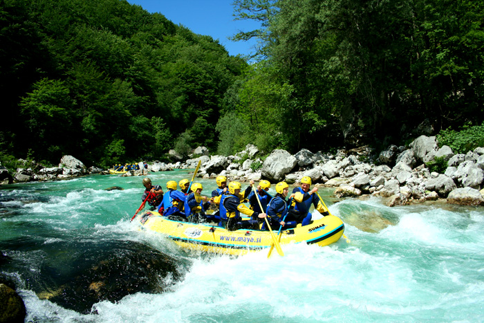 Rafting en el río Soca de Eslovenia